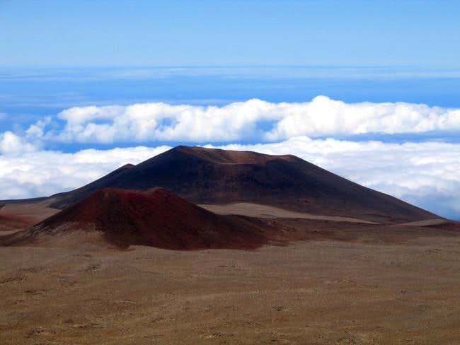 Cinder cones on Mauan Kea far...