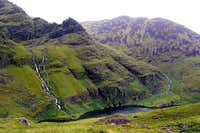 NE-ridge of Carrauntoohil:...