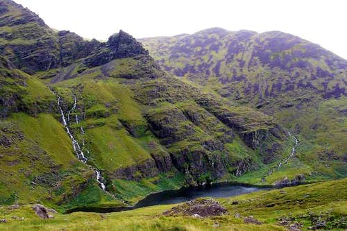 NE-ridge of Carrauntoohil:...