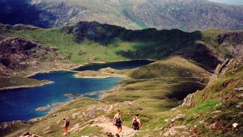 The descent towards Llyn...
