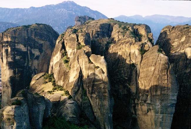 Meteora cliffs in Oktober