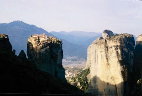 Meteora cliffs in October