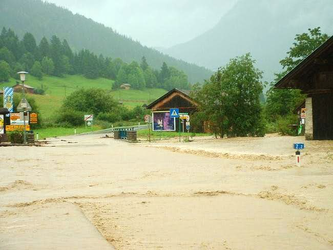 high water near the zugspitze