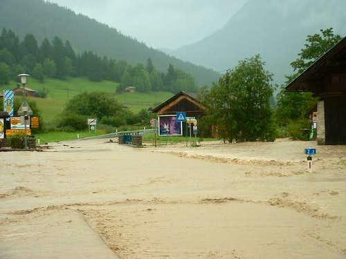 high water near the zugspitze