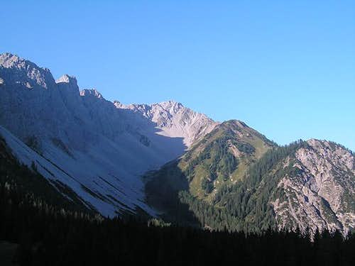 Wannig (center) and the ridge...