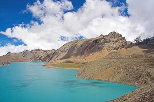 The east shore of Tilicho....