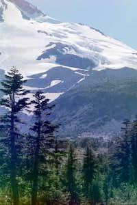 Hotum Glacier on NE shoulder...