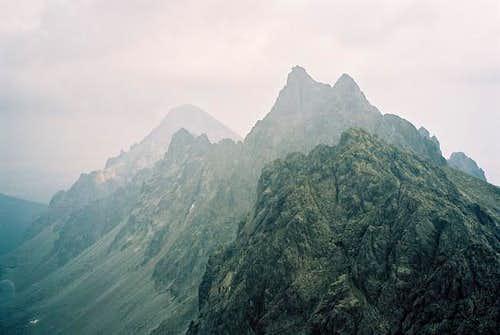 Kupola (2426,4m), Bradavica...