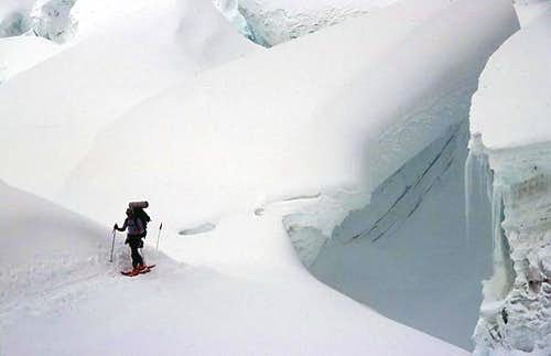 Gigantic crevasses and seracs...