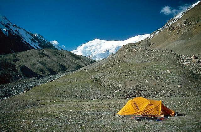 Camp next to bottom of Nazarova glacier, Pik Korzenevskovo behind..., July 2005