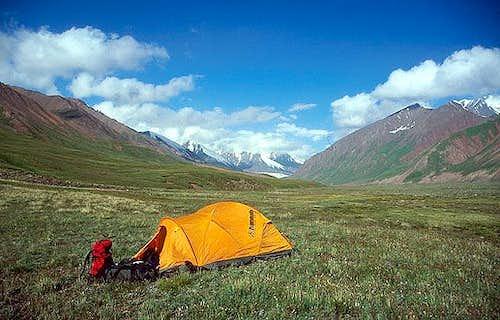 Camping at the basis of Pik...