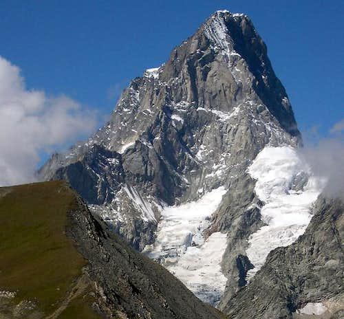 The elegant shape of Grandes Jorasses<br>seen from Vallone di Combette