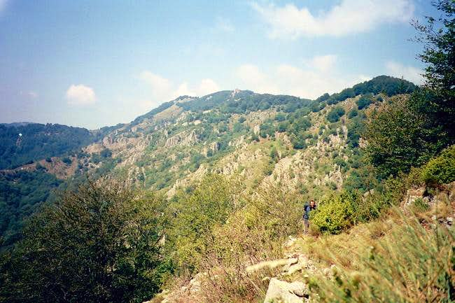 Trekking in Koula mountain,...