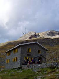 The old Góriz mountain hut,...