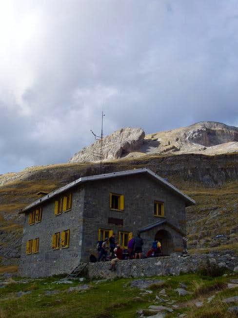 The old Góriz mountain hut,...