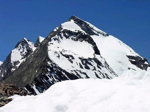 Il monte Paramont (3301 m),...