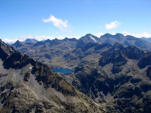 Facha , Vignemale and peaks...