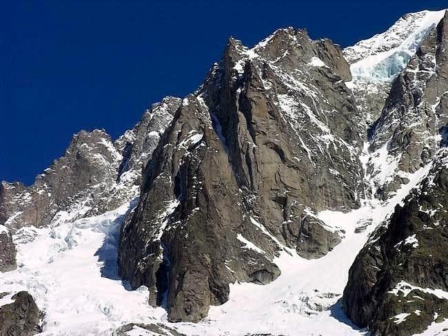 La tour des Jorasses (3813 m)