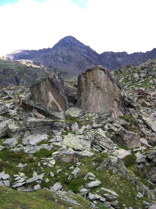 Characteristic boulders at the head of Vallone di Arpisson in front of Punta Garin <i>(3448 m)</i>