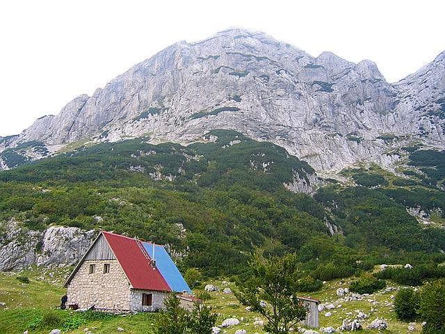 Skrka Mountain Hut (1723 m)...