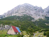 Skrka Mountain Hut (1723 m)...