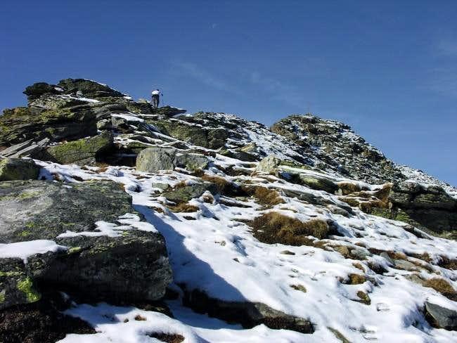 Climbing becca di Viou (2857...