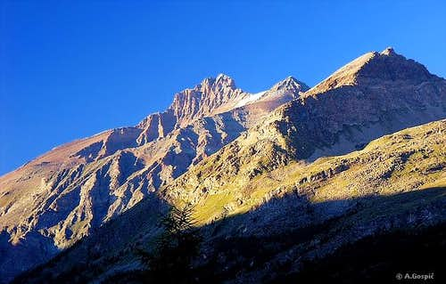 La Grivola (3969m) and its...