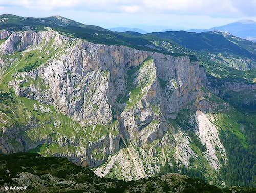 Crvena Greda (2175m)...