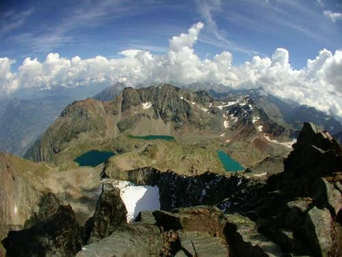 From Emilius\' edge. NE ridge...