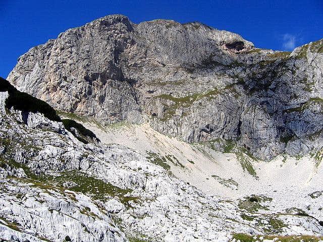 Rbatina (2401 m) SE face...