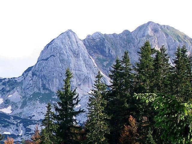 Rbatina ( 2401 m , right)...