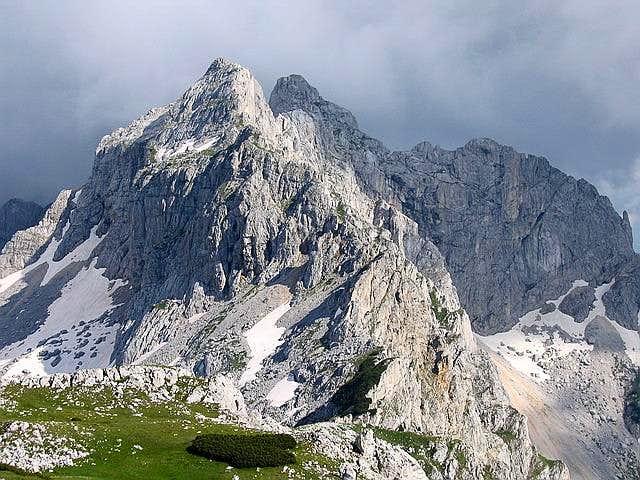 Bobotov Kuk ( 2523 m ,...