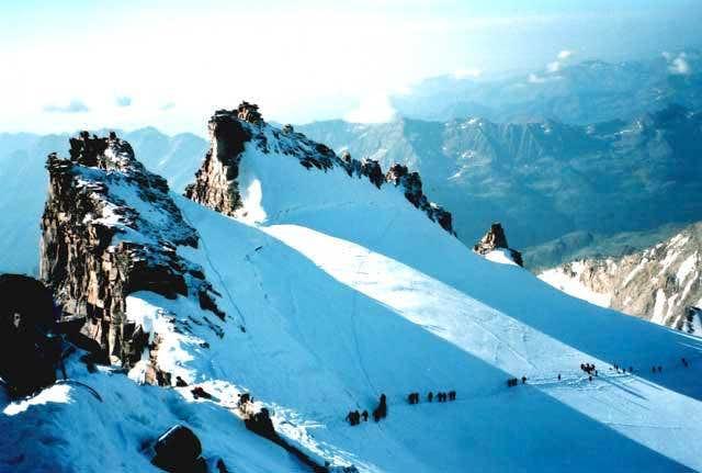 The summit ridge of the Gran...