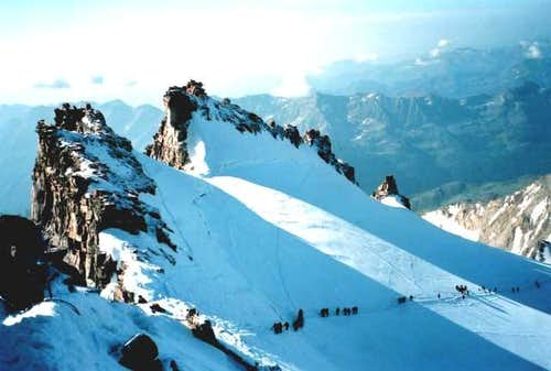 The summit ridge of the Gran...