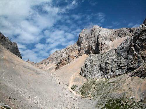 Cime Cadine( 2869m, 2885m)...