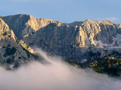 View to Terzin Bogaz (2303 m)...
