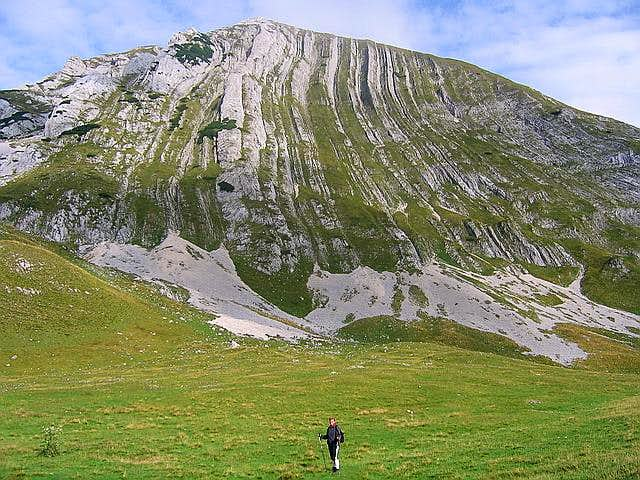 Below Prutas (2393 m)