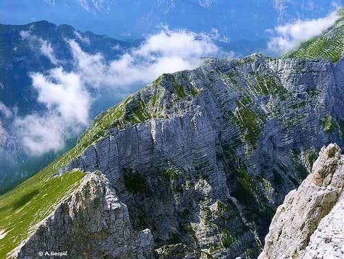 Horizontal ledges are one of...