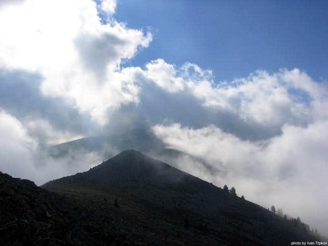 Bad weather on the Muza peak...