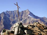 The cross on the summit of  Testa di Entrelor