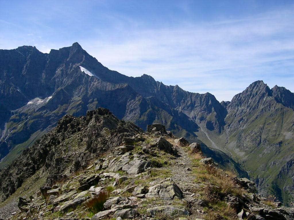 Along the ridge of Testa di Entrelor <i>2680m</i>