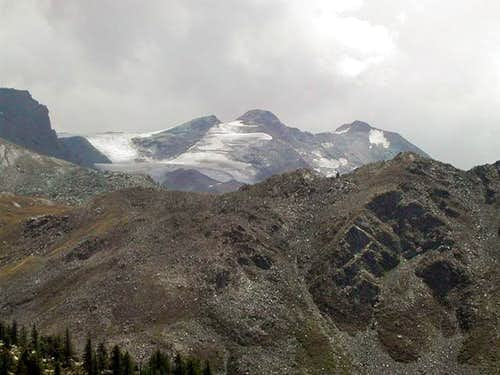 North side of Testa di Entrelor <i>(2580m)