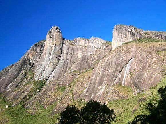 Ascending Ferro looking Torres.