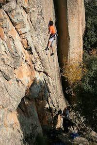 José climbing 'PHOSKITOMANIA...