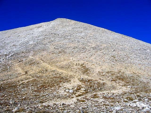 SW side of Kutelo (2908 m) ....
