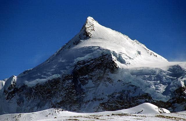 Phola Gangchen, 7661m....