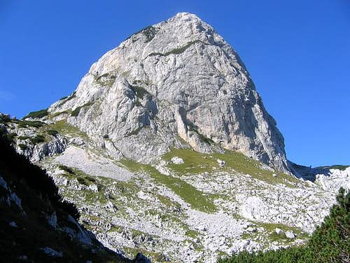 Round peak of Obla Glava...
