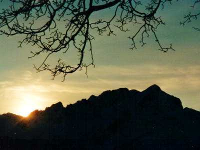 Silhouette of the Alpspitze...