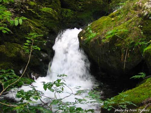 In the gorge of Tresonechka...