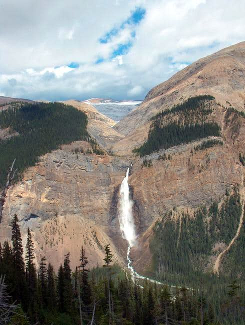 Takakkaw Falls from on ascent...